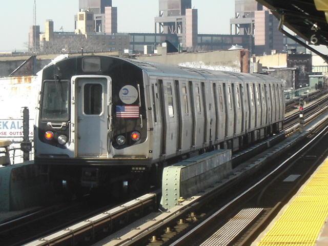 (64k, 640x480)<br><b>Country:</b> United States<br><b>City:</b> New York<br><b>System:</b> New York City Transit<br><b>Line:</b> BMT Nassau Street/Jamaica Line<br><b>Location:</b> Kosciuszko Street <br><b>Car:</b> R-143 (Kawasaki, 2001-2002)  <br><b>Photo by:</b> DeAndre Burrell<br><b>Date:</b> 1/27/2006<br><b>Notes:</b> R143 train testing on middle track at Kosciuszko St.<br><b>Viewed (this week/total):</b> 0 / 4368