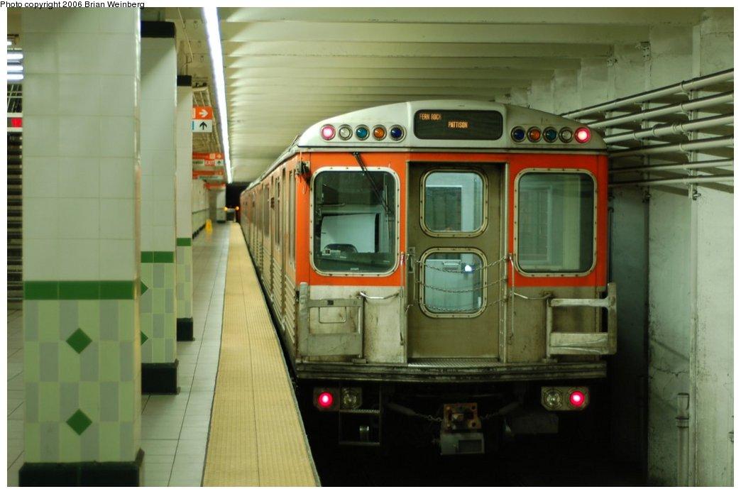 (169k, 1044x696)<br><b>Country:</b> United States<br><b>City:</b> Philadelphia, PA<br><b>System:</b> SEPTA (or Predecessor)<br><b>Line:</b> Broad Street Subway<br><b>Location:</b> Walnut-Locust<br><b>Car:</b> SEPTA B-4 (Kawasaki, 1982)  <br><b>Photo by:</b> Brian Weinberg<br><b>Date:</b> 2/5/2006<br><b>Viewed (this week/total):</b> 0 / 3404