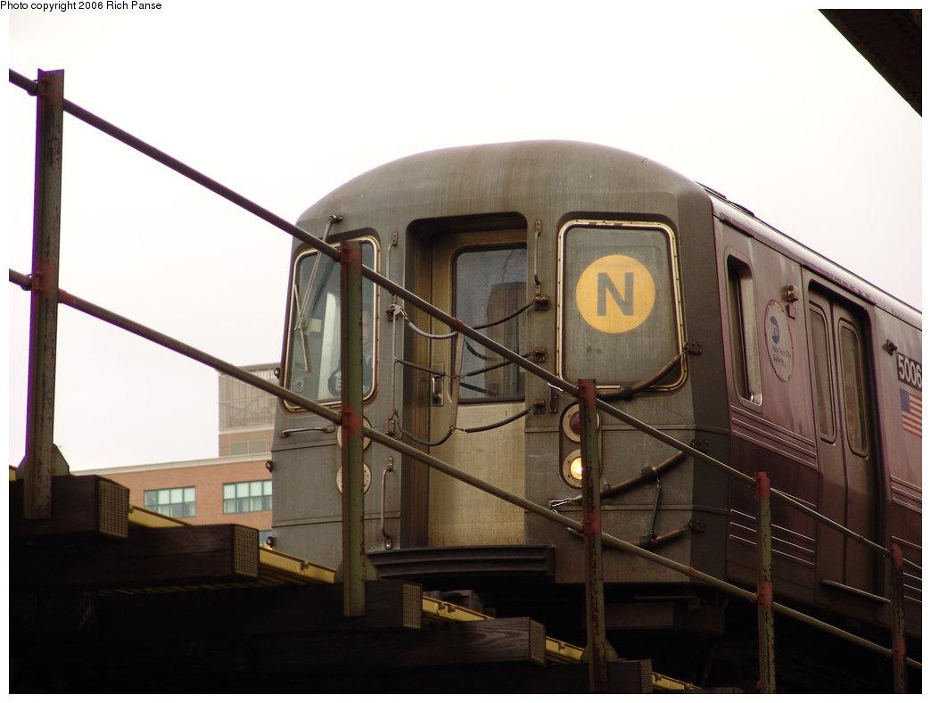 (129k, 1044x788)<br><b>Country:</b> United States<br><b>City:</b> New York<br><b>System:</b> New York City Transit<br><b>Line:</b> BMT Astoria Line<br><b>Location:</b> Queensborough Plaza <br><b>Route:</b> N<br><b>Car:</b> R-68A (Kawasaki, 1988-1989)  5006 <br><b>Photo by:</b> Richard Panse<br><b>Date:</b> 2/8/2006<br><b>Viewed (this week/total):</b> 0 / 2654