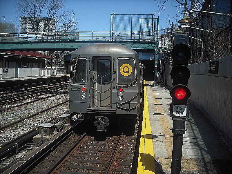 (172k, 800x600)<br><b>Country:</b> United States<br><b>City:</b> New York<br><b>System:</b> New York City Transit<br><b>Line:</b> BMT Sea Beach Line<br><b>Location:</b> 86th Street <br><b>Route:</b> Q reroute,<br><b>Car:</b> R-68/R-68A Series (Number Unknown)  <br><b>Photo by:</b> Alize Jarrett<br><b>Date:</b> 4/10/2010<br><b>Viewed (this week/total):</b> 2 / 1295