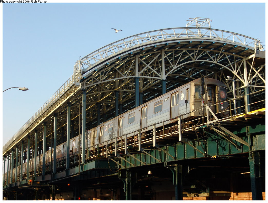 (233k, 1044x788)<br><b>Country:</b> United States<br><b>City:</b> New York<br><b>System:</b> New York City Transit<br><b>Location:</b> Coney Island/Stillwell Avenue<br><b>Route:</b> D<br><b>Car:</b> R-68 (Westinghouse-Amrail, 1986-1988)  2540 <br><b>Photo by:</b> Richard Panse<br><b>Date:</b> 2/25/2006<br><b>Viewed (this week/total):</b> 2 / 3904