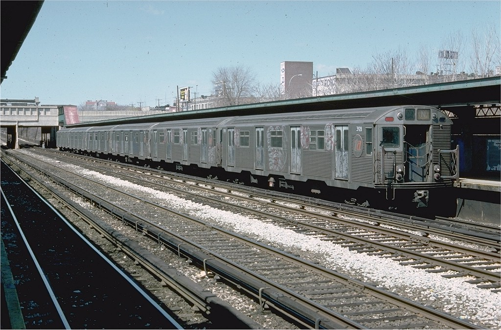(247k, 1024x676)<br><b>Country:</b> United States<br><b>City:</b> New York<br><b>System:</b> New York City Transit<br><b>Line:</b> BMT Sea Beach Line<br><b>Location:</b> Fort Hamilton Parkway <br><b>Route:</b> N<br><b>Car:</b> R-32 (Budd, 1964)  3928 <br><b>Photo by:</b> Doug Grotjahn<br><b>Collection of:</b> Joe Testagrose<br><b>Date:</b> 4/9/1977<br><b>Viewed (this week/total):</b> 0 / 2716
