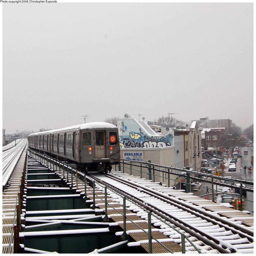 (243k, 1044x1044)<br><b>Country:</b> United States<br><b>City:</b> New York<br><b>System:</b> New York City Transit<br><b>Line:</b> BMT West End Line<br><b>Location:</b> 62nd Street <br><b>Route:</b> D<br><b>Car:</b> R-68/R-68A Series (Number Unknown)  <br><b>Photo by:</b> Christopher Esposito<br><b>Date:</b> 12/4/2005<br><b>Viewed (this week/total):</b> 0 / 3211