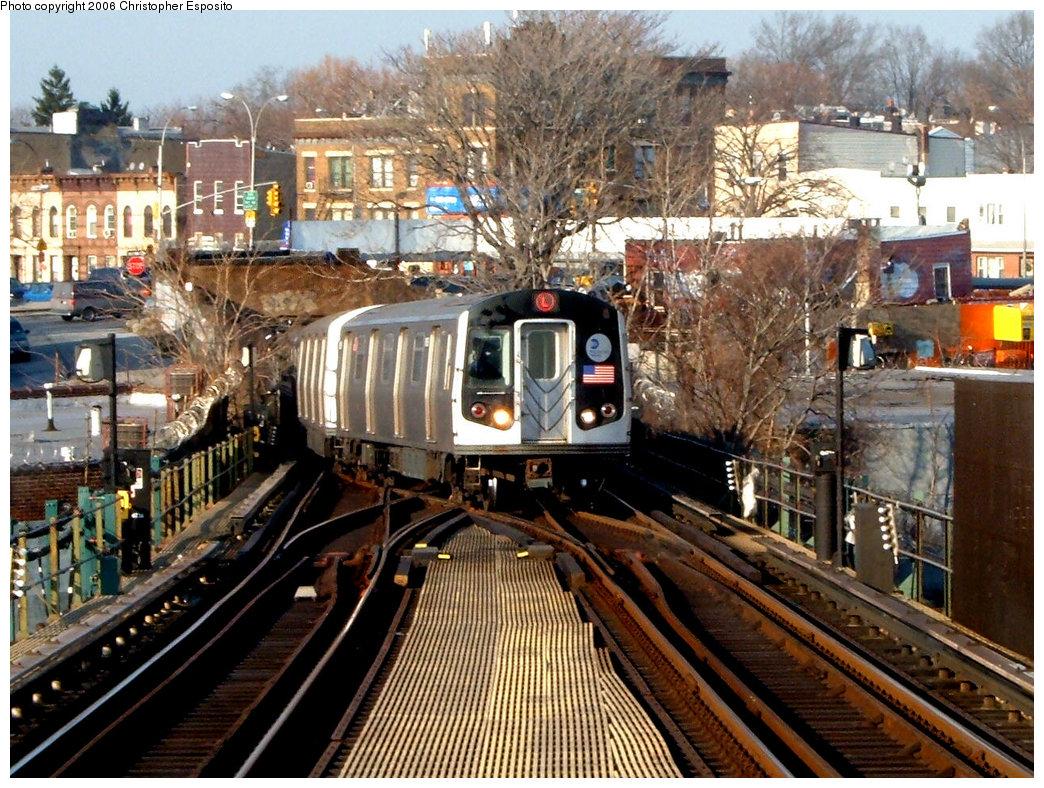 (281k, 1044x788)<br><b>Country:</b> United States<br><b>City:</b> New York<br><b>System:</b> New York City Transit<br><b>Line:</b> BMT Canarsie Line<br><b>Location:</b> Broadway Junction <br><b>Route:</b> L<br><b>Car:</b> R-143 (Kawasaki, 2001-2002)  <br><b>Photo by:</b> Christopher Esposito<br><b>Date:</b> 12/30/2004<br><b>Viewed (this week/total):</b> 0 / 4443