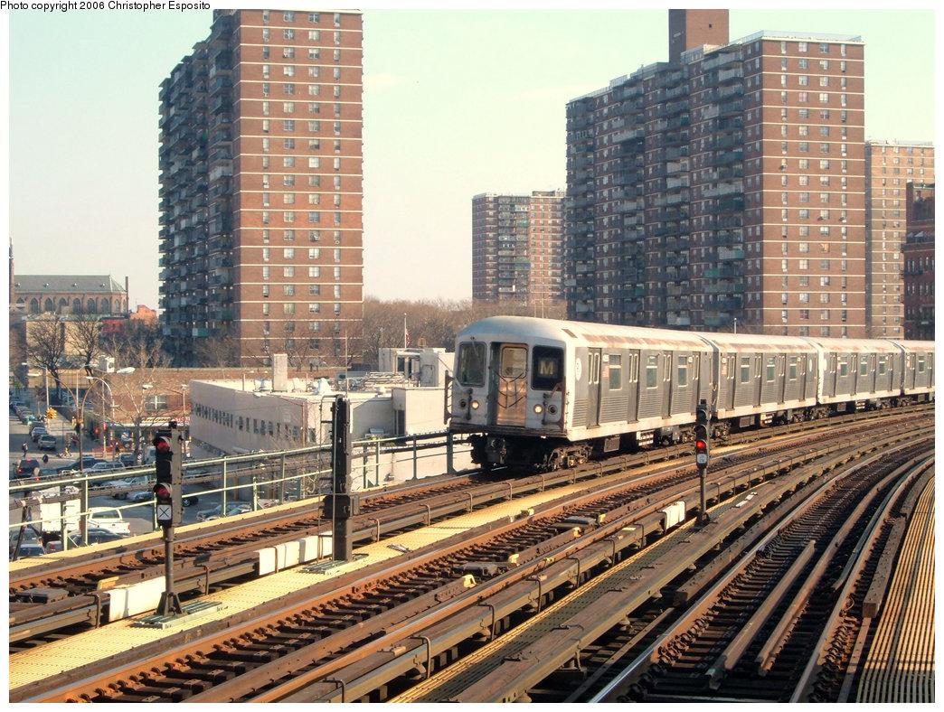 (281k, 1044x788)<br><b>Country:</b> United States<br><b>City:</b> New York<br><b>System:</b> New York City Transit<br><b>Line:</b> BMT Nassau Street/Jamaica Line<br><b>Location:</b> Hewes Street <br><b>Route:</b> M<br><b>Car:</b> R-42 (St. Louis, 1969-1970)   <br><b>Photo by:</b> Christopher Esposito<br><b>Date:</b> 12/30/2004<br><b>Viewed (this week/total):</b> 2 / 2323