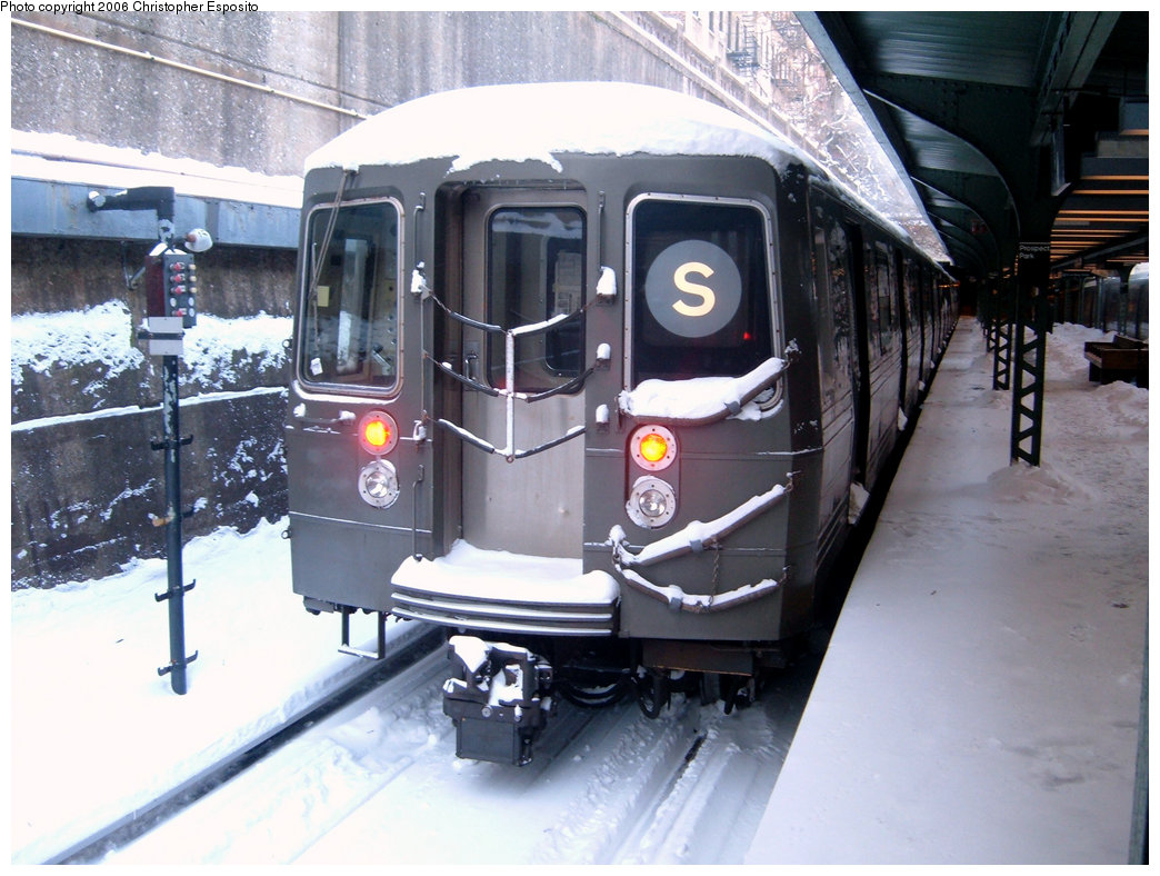 (197k, 1044x788)<br><b>Country:</b> United States<br><b>City:</b> New York<br><b>System:</b> New York City Transit<br><b>Line:</b> BMT Franklin<br><b>Location:</b> Prospect Park <br><b>Route:</b> S<br><b>Car:</b> R-68/R-68A Series (Number Unknown)  <br><b>Photo by:</b> Christopher Esposito<br><b>Date:</b> 1/23/2005<br><b>Viewed (this week/total):</b> 0 / 5110