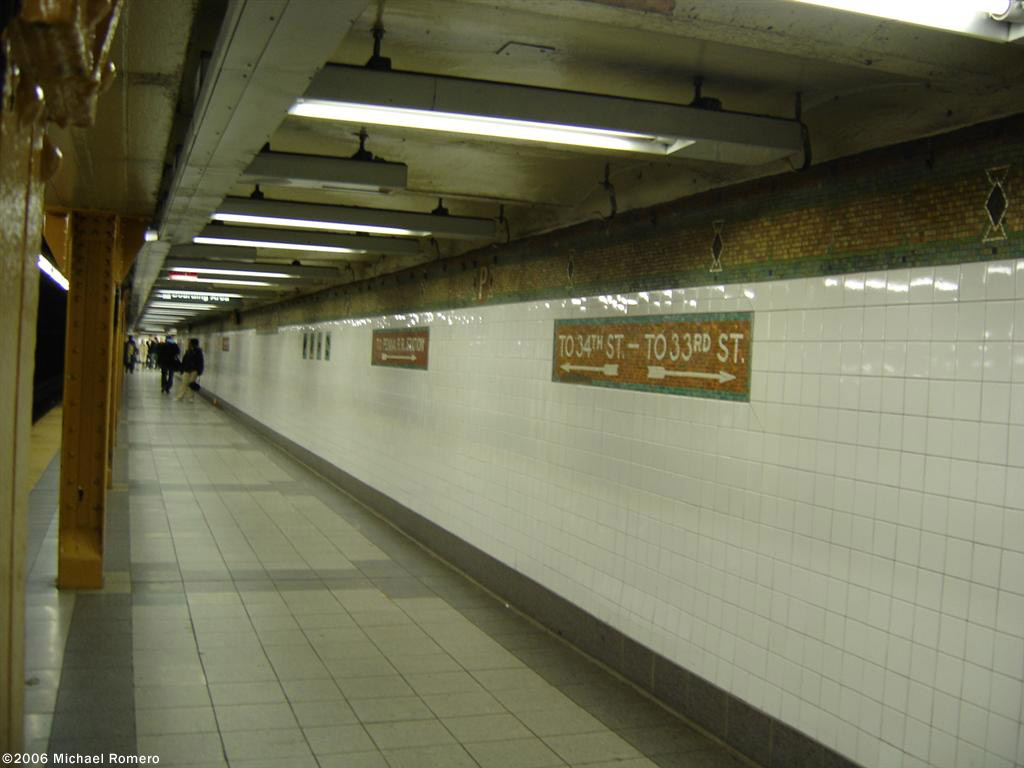 (100k, 1024x768)<br><b>Country:</b> United States<br><b>City:</b> New York<br><b>System:</b> New York City Transit<br><b>Line:</b> IRT West Side Line<br><b>Location:</b> 34th Street/Penn Station <br><b>Photo by:</b> Michael Romero<br><b>Date:</b> 1/7/2006<br><b>Viewed (this week/total):</b> 1 / 2362