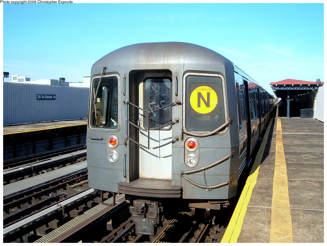 (238k, 1044x788)<br><b>Country:</b> United States<br><b>City:</b> New York<br><b>System:</b> New York City Transit<br><b>Line:</b> BMT Astoria Line<br><b>Location:</b> 39th/Beebe Aves.<br><b>Route:</b> N<br><b>Car:</b> R-68/R-68A Series (Number Unknown)  <br><b>Photo by:</b> Christopher Esposito<br><b>Date:</b> 10/28/2004<br><b>Viewed (this week/total):</b> 0 / 2266