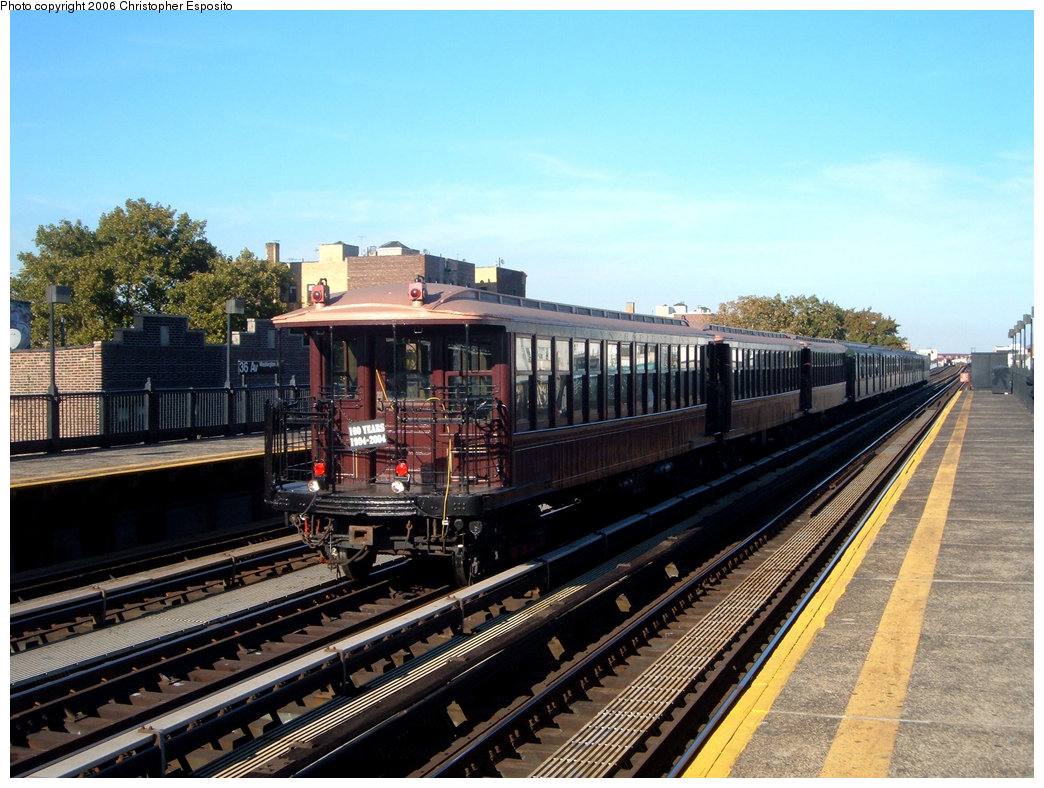 (221k, 1044x788)<br><b>Country:</b> United States<br><b>City:</b> New York<br><b>System:</b> New York City Transit<br><b>Line:</b> BMT Astoria Line<br><b>Location:</b> 39th/Beebe Aves. <br><b>Route:</b> Fan Trip<br><b>Car:</b> BMT Elevated Gate Car 1407-1273-1404 <br><b>Photo by:</b> Christopher Esposito<br><b>Date:</b> 10/28/2004<br><b>Viewed (this week/total):</b> 0 / 1799