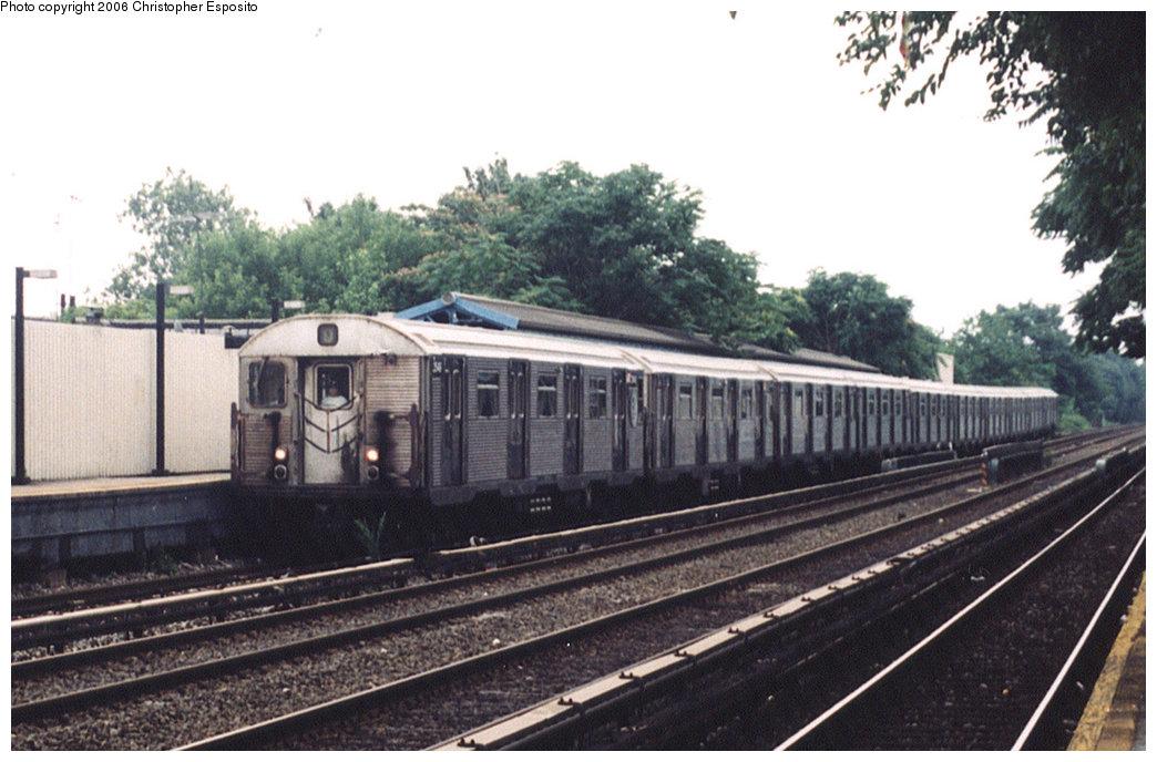 (180k, 1044x688)<br><b>Country:</b> United States<br><b>City:</b> New York<br><b>System:</b> New York City Transit<br><b>Line:</b> BMT Brighton Line<br><b>Location:</b> Avenue J <br><b>Route:</b> Q<br><b>Car:</b> R-32 (Budd, 1964)   <br><b>Photo by:</b> Christopher Esposito<br><b>Date:</b> 7/18/2004<br><b>Viewed (this week/total):</b> 0 / 3744