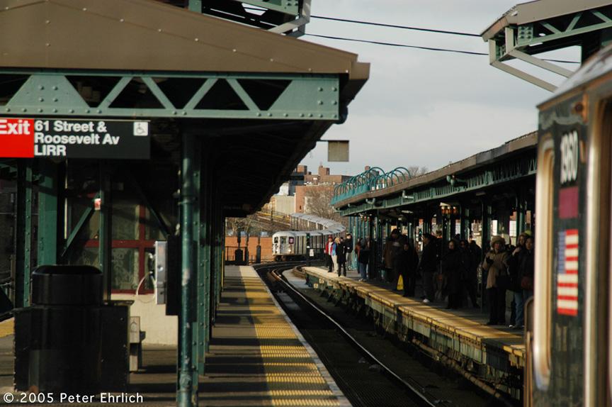 (195k, 864x574)<br><b>Country:</b> United States<br><b>City:</b> New York<br><b>System:</b> New York City Transit<br><b>Line:</b> IRT Flushing Line<br><b>Location:</b> 61st Street/Woodside <br><b>Route:</b> 7<br><b>Car:</b> R-62A (Bombardier, 1984-1987)  1960 <br><b>Photo by:</b> Peter Ehrlich<br><b>Date:</b> 12/30/2005<br><b>Viewed (this week/total):</b> 1 / 3040