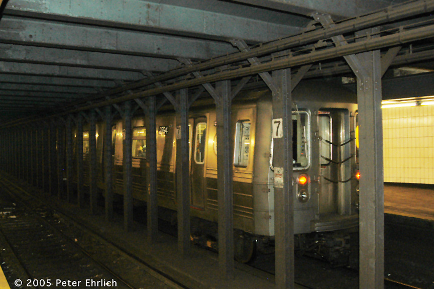 (183k, 864x575)<br><b>Country:</b> United States<br><b>City:</b> New York<br><b>System:</b> New York City Transit<br><b>Line:</b> BMT Brighton Line<br><b>Location:</b> 7th Avenue <br><b>Route:</b> Q<br><b>Car:</b> R-68 (Westinghouse-Amrail, 1986-1988)  2794 <br><b>Photo by:</b> Peter Ehrlich<br><b>Date:</b> 12/30/2005<br><b>Viewed (this week/total):</b> 2 / 4663