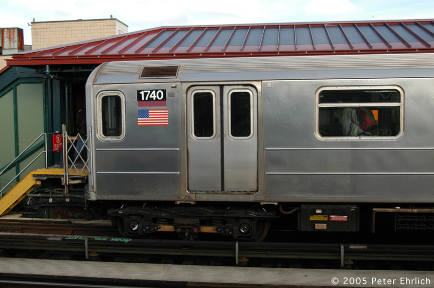 (170k, 864x574)<br><b>Country:</b> United States<br><b>City:</b> New York<br><b>System:</b> New York City Transit<br><b>Line:</b> IRT Flushing Line<br><b>Location:</b> 74th Street/Broadway <br><b>Route:</b> 7<br><b>Car:</b> R-62A (Bombardier, 1984-1987)  1740 <br><b>Photo by:</b> Peter Ehrlich<br><b>Date:</b> 12/30/2005<br><b>Viewed (this week/total):</b> 4 / 2831