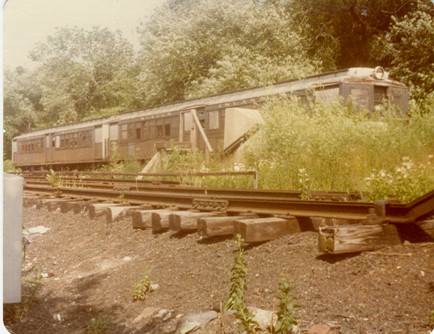 (558k, 886x682)<br><b>Country:</b> United States<br><b>City:</b> New York<br><b>System:</b> New York City Transit<br><b>Line:</b> SIRT<br><b>Location:</b> Tottenville <br><b>Car:</b> SIRT  <br><b>Photo by:</b> S. Phetterplace<br><b>Date:</b> 7/1979<br><b>Viewed (this week/total):</b> 5 / 4185