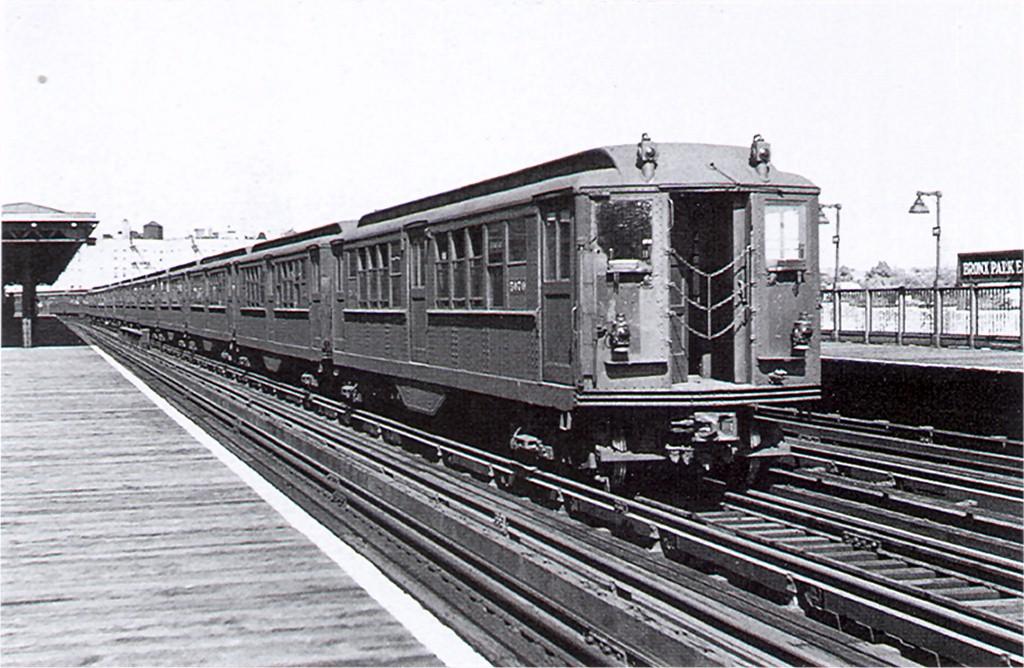 (200k, 1024x668)<br><b>Country:</b> United States<br><b>City:</b> New York<br><b>System:</b> New York City Transit<br><b>Line:</b> IRT White Plains Road Line<br><b>Location:</b> Bronx Park East <br><b>Car:</b> Low-V 5470 <br><b>Collection of:</b> Joe Testagrose<br><b>Date:</b> 9/18/1947<br><b>Viewed (this week/total):</b> 0 / 3499