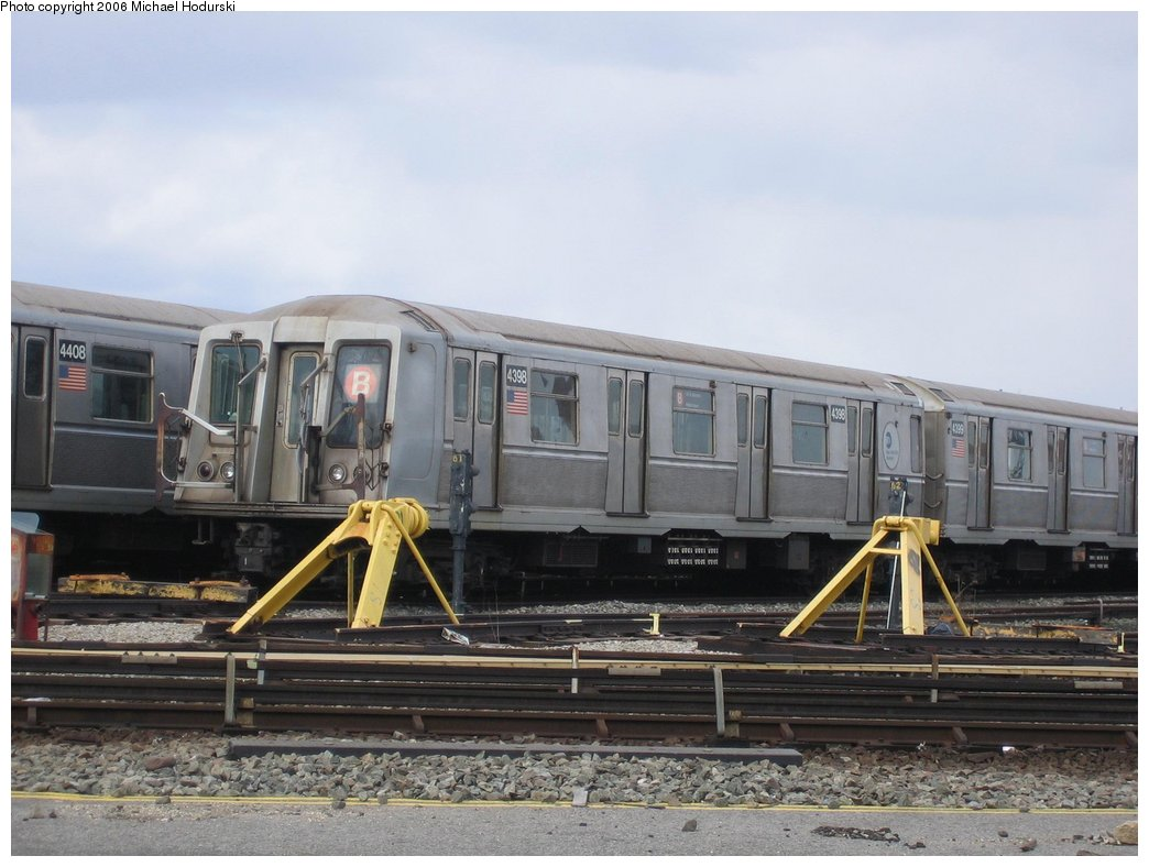 (146k, 1044x788)<br><b>Country:</b> United States<br><b>City:</b> New York<br><b>System:</b> New York City Transit<br><b>Location:</b> Coney Island Yard<br><b>Car:</b> R-40 (St. Louis, 1968)  4398 <br><b>Photo by:</b> Michael Hodurski<br><b>Date:</b> 3/24/2006<br><b>Viewed (this week/total):</b> 0 / 2108