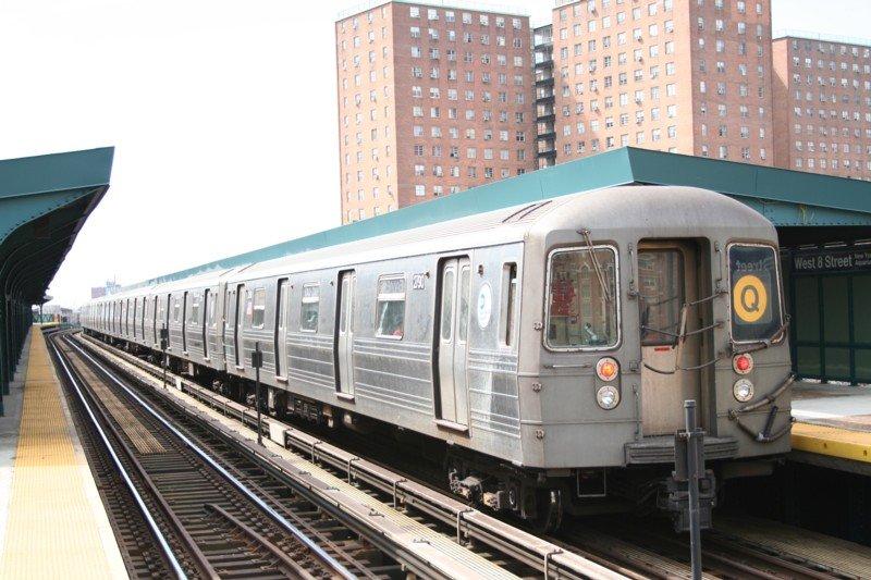 (100k, 800x533)<br><b>Country:</b> United States<br><b>City:</b> New York<br><b>System:</b> New York City Transit<br><b>Line:</b> BMT Brighton Line<br><b>Location:</b> West 8th Street <br><b>Route:</b> Q<br><b>Car:</b> R-68 (Westinghouse-Amrail, 1986-1988)  2790 <br><b>Photo by:</b> Neil Feldman<br><b>Date:</b> 3/24/2006<br><b>Viewed (this week/total):</b> 1 / 2287