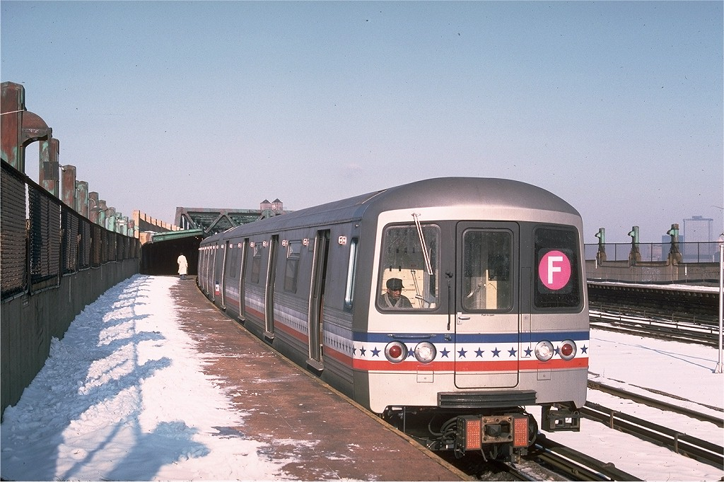 (209k, 1024x682)<br><b>Country:</b> United States<br><b>City:</b> New York<br><b>System:</b> New York City Transit<br><b>Line:</b> IND Crosstown Line<br><b>Location:</b> Smith/9th Street <br><b>Route:</b> F<br><b>Car:</b> R-46 (Pullman-Standard, 1974-75) 680 <br><b>Photo by:</b> Ed McKernan<br><b>Collection of:</b> Joe Testagrose<br><b>Date:</b> 1/26/1977<br><b>Viewed (this week/total):</b> 1 / 3891