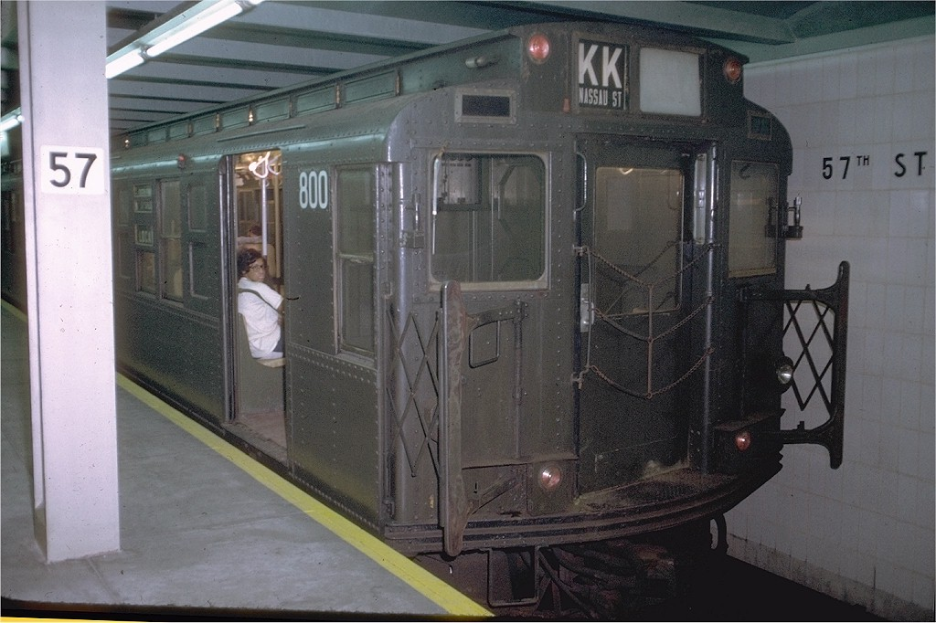 (182k, 1024x682)<br><b>Country:</b> United States<br><b>City:</b> New York<br><b>System:</b> New York City Transit<br><b>Line:</b> IND 6th Avenue Line<br><b>Location:</b> 57th Street <br><b>Route:</b> KK<br><b>Car:</b> R-4 (American Car & Foundry, 1932-1933) 800 <br><b>Photo by:</b> Doug Grotjahn<br><b>Collection of:</b> Joe Testagrose<br><b>Date:</b> 8/3/1972<br><b>Viewed (this week/total):</b> 1 / 2906