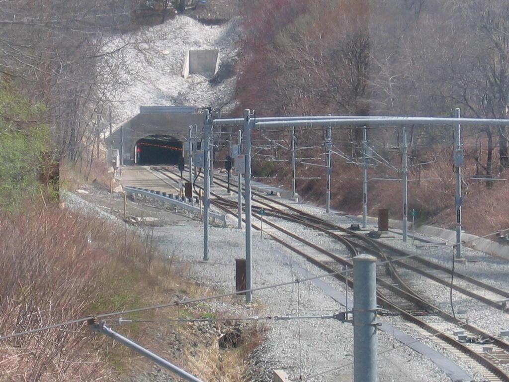 (155k, 1024x768)<br><b>Country:</b> United States<br><b>City:</b> North Bergen, NJ<br><b>System:</b> Hudson Bergen Light Rail<br><b>Location:</b> Tonnelle Avenue <br><b>Photo by:</b> Jeremy Whiteman<br><b>Date:</b> 4/4/2006<br><b>Viewed (this week/total):</b> 0 / 3666