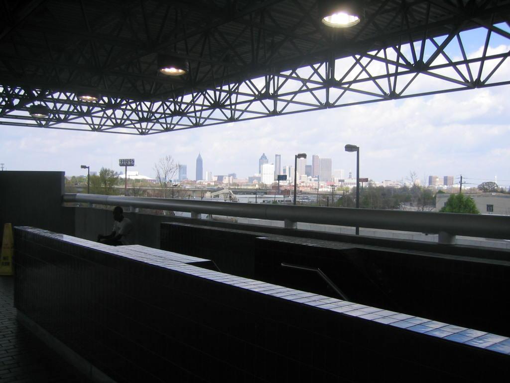 (95k, 1024x768)<br><b>Country:</b> United States<br><b>City:</b> Atlanta, GA<br><b>System:</b> MARTA<br><b>Line:</b> North-South Line <br><b>Location:</b> West End <br><b>Photo by:</b> Matthew Shull<br><b>Date:</b> 4/1/2006<br><b>Notes:</b> Atlanta skyline and trackways to northeast of station<br><b>Viewed (this week/total):</b> 1 / 1390