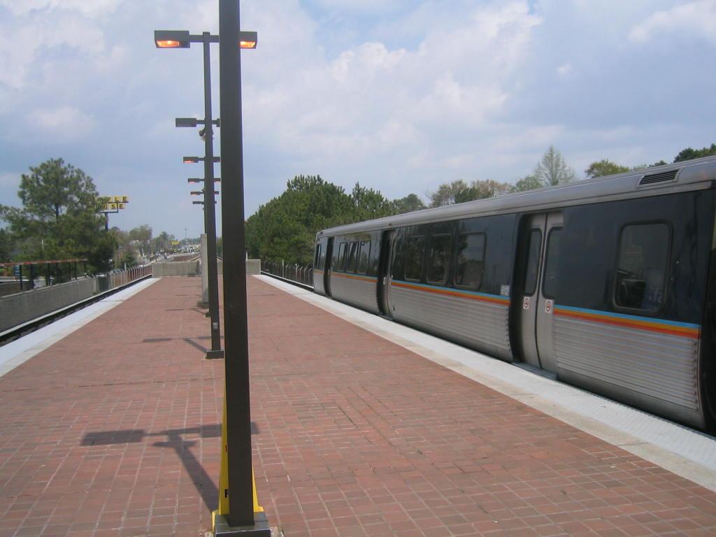 (90k, 1024x768)<br><b>Country:</b> United States<br><b>City:</b> Atlanta, GA<br><b>System:</b> MARTA<br><b>Line:</b> Doraville Branch <br><b>Location:</b> Brookhaven-Oglethorpe U. <br><b>Car:</b> MARTA CQ312 612 <br><b>Photo by:</b> Matthew Shull<br><b>Date:</b> 4/2/2006<br><b>Notes:</b> Closing up northbound to Doraville<br><b>Viewed (this week/total):</b> 0 / 1930