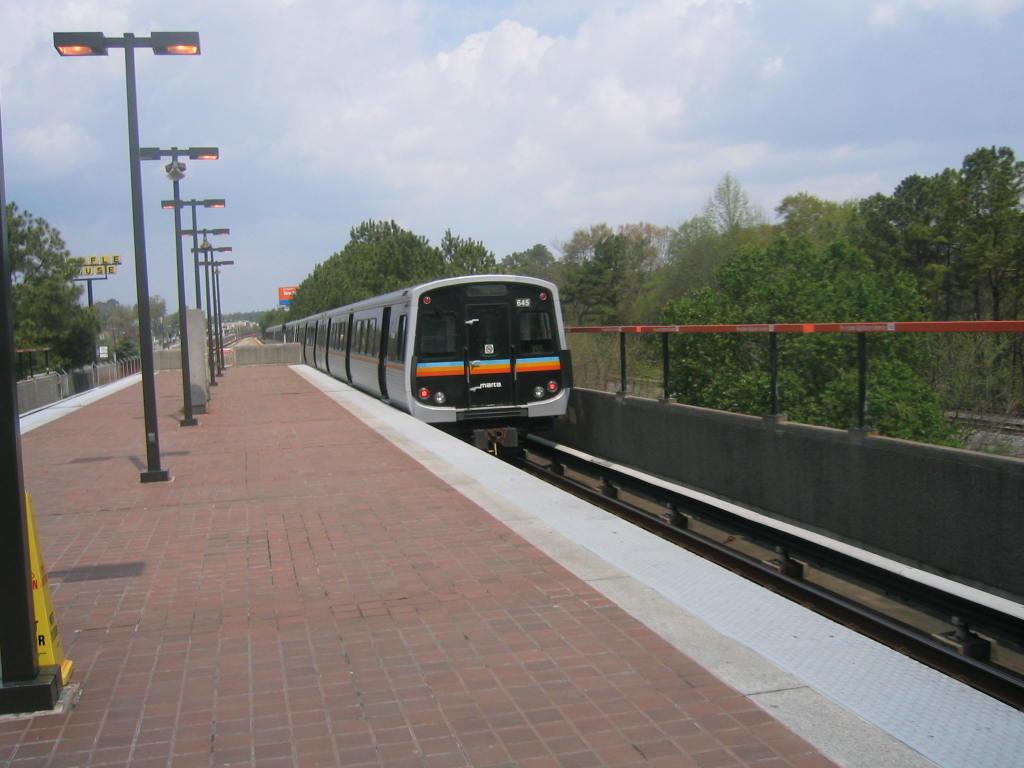 (95k, 1024x768)<br><b>Country:</b> United States<br><b>City:</b> Atlanta, GA<br><b>System:</b> MARTA<br><b>Line:</b> Doraville Branch <br><b>Location:</b> Brookhaven-Oglethorpe U. <br><b>Car:</b> MARTA CQ312 645 <br><b>Photo by:</b> Matthew Shull<br><b>Date:</b> 4/2/2006<br><b>Notes:</b> Northbound Doraville train departing Brookhaven<br><b>Viewed (this week/total):</b> 0 / 2039