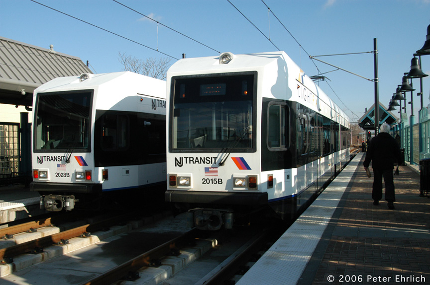 (180k, 864x574)<br><b>Country:</b> United States<br><b>City:</b> Bayonne, NJ<br><b>System:</b> Hudson Bergen Light Rail<br><b>Location:</b> East 22nd Street <br><b>Car:</b> NJT-HBLR LRV (Kinki-Sharyo, 1998-99)  2028/2015 <br><b>Photo by:</b> Peter Ehrlich<br><b>Date:</b> 1/25/2006<br><b>Viewed (this week/total):</b> 11 / 2155