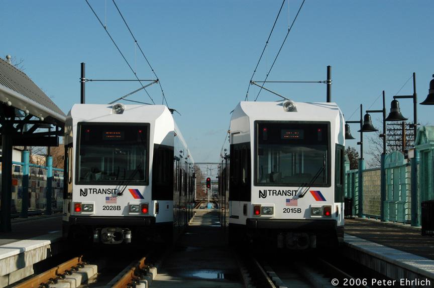 (168k, 864x574)<br><b>Country:</b> United States<br><b>City:</b> Bayonne, NJ<br><b>System:</b> Hudson Bergen Light Rail<br><b>Location:</b> East 22nd Street <br><b>Car:</b> NJT-HBLR LRV (Kinki-Sharyo, 1998-99)  2028/2015 <br><b>Photo by:</b> Peter Ehrlich<br><b>Date:</b> 1/25/2006<br><b>Viewed (this week/total):</b> 0 / 2093