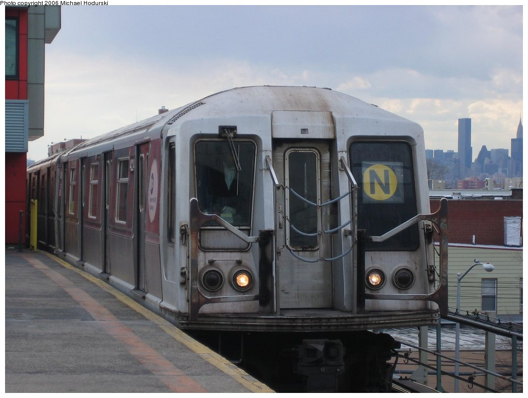 (133k, 1044x788)<br><b>Country:</b> United States<br><b>City:</b> New York<br><b>System:</b> New York City Transit<br><b>Line:</b> BMT Astoria Line<br><b>Location:</b> Ditmars Boulevard <br><b>Route:</b> N<br><b>Car:</b> R-40 (St. Louis, 1968)  4224 <br><b>Photo by:</b> Michael Hodurski<br><b>Date:</b> 3/26/2006<br><b>Viewed (this week/total):</b> 2 / 3570
