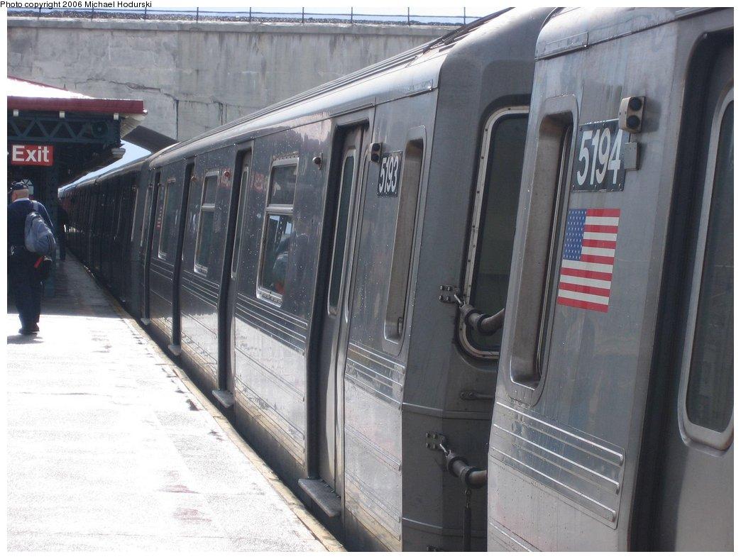 (153k, 1044x788)<br><b>Country:</b> United States<br><b>City:</b> New York<br><b>System:</b> New York City Transit<br><b>Line:</b> BMT Astoria Line<br><b>Location:</b> Ditmars Boulevard <br><b>Route:</b> N<br><b>Car:</b> R-68A (Kawasaki, 1988-1989)  5193 <br><b>Photo by:</b> Michael Hodurski<br><b>Date:</b> 3/26/2006<br><b>Viewed (this week/total):</b> 0 / 3821