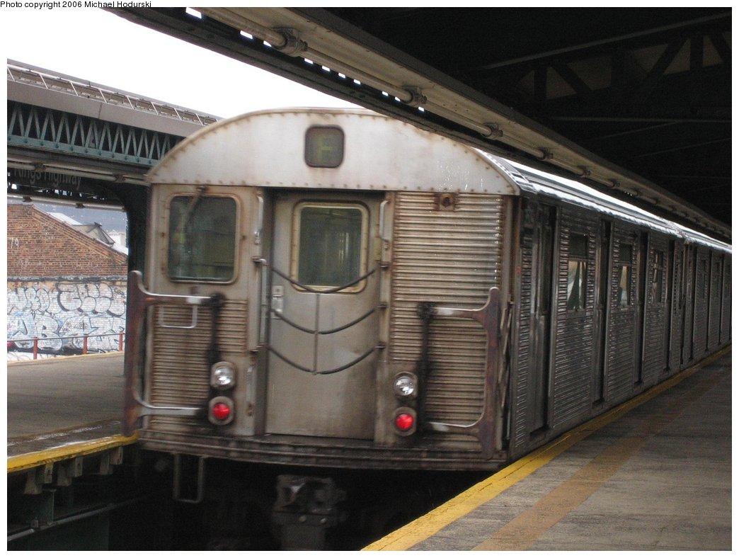 (162k, 1044x788)<br><b>Country:</b> United States<br><b>City:</b> New York<br><b>System:</b> New York City Transit<br><b>Line:</b> BMT Culver Line<br><b>Location:</b> Kings Highway <br><b>Route:</b> F<br><b>Car:</b> R-32 (Budd, 1964)  3509 <br><b>Photo by:</b> Michael Hodurski<br><b>Date:</b> 4/14/2006<br><b>Viewed (this week/total):</b> 5 / 2820
