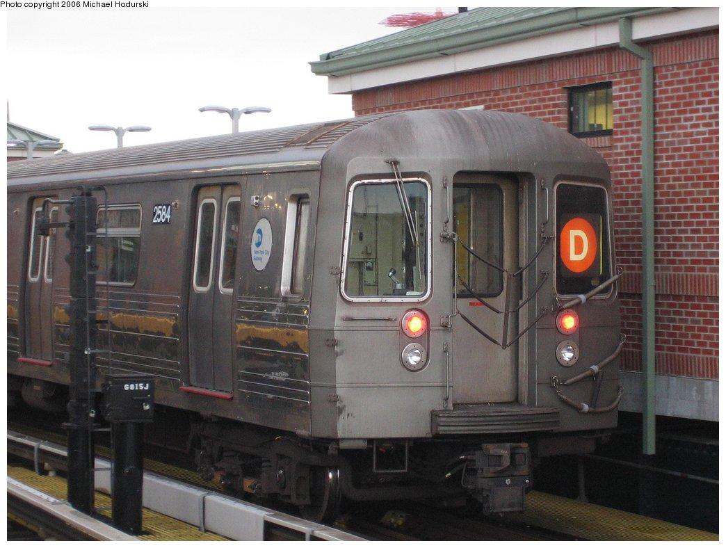 (156k, 1044x788)<br><b>Country:</b> United States<br><b>City:</b> New York<br><b>System:</b> New York City Transit<br><b>Location:</b> Coney Island/Stillwell Avenue<br><b>Route:</b> D<br><b>Car:</b> R-68 (Westinghouse-Amrail, 1986-1988)  2584 <br><b>Photo by:</b> Michael Hodurski<br><b>Date:</b> 4/13/2006<br><b>Viewed (this week/total):</b> 2 / 2780
