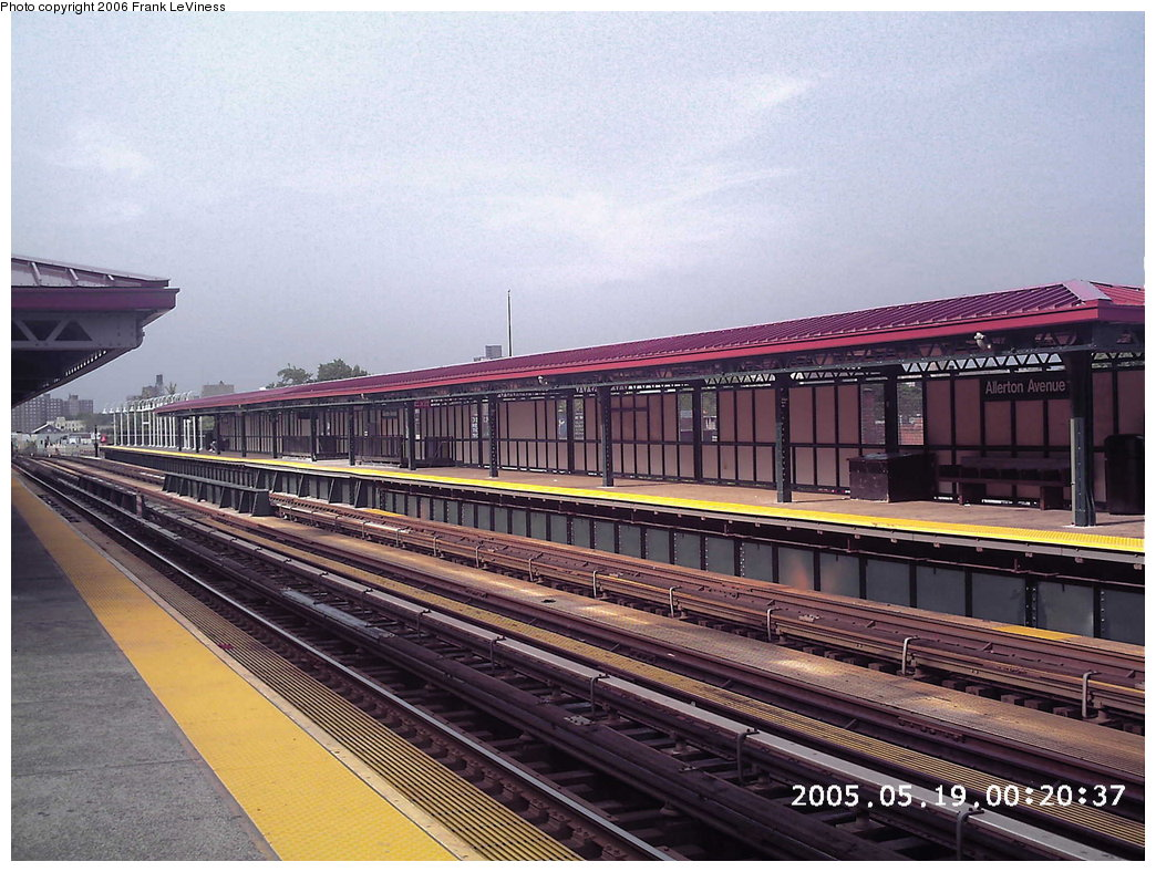 (201k, 1044x788)<br><b>Country:</b> United States<br><b>City:</b> New York<br><b>System:</b> New York City Transit<br><b>Line:</b> IRT White Plains Road Line<br><b>Location:</b> Allerton Avenue <br><b>Photo by:</b> Frank LeViness<br><b>Date:</b> 6/11/2005<br><b>Viewed (this week/total):</b> 0 / 2573