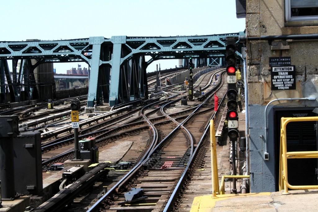 (249k, 1024x682)<br><b>Country:</b> United States<br><b>City:</b> New York<br><b>System:</b> New York City Transit<br><b>Line:</b> IND Crosstown Line<br><b>Location:</b> 4th Avenue <br><b>Photo by:</b> Todd Glickman<br><b>Date:</b> 4/16/2006<br><b>Viewed (this week/total):</b> 0 / 2324