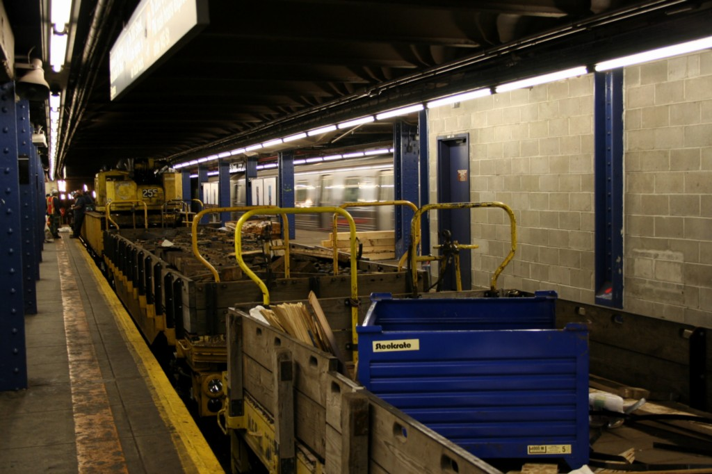 (171k, 1024x682)<br><b>Country:</b> United States<br><b>City:</b> New York<br><b>System:</b> New York City Transit<br><b>Line:</b> IND 8th Avenue Line<br><b>Location:</b> 59th Street/Columbus Circle <br><b>Route:</b> Work Service<br><b>Car:</b> Flat Car  <br><b>Photo by:</b> Todd Glickman<br><b>Date:</b> 4/16/2006<br><b>Viewed (this week/total):</b> 0 / 2476