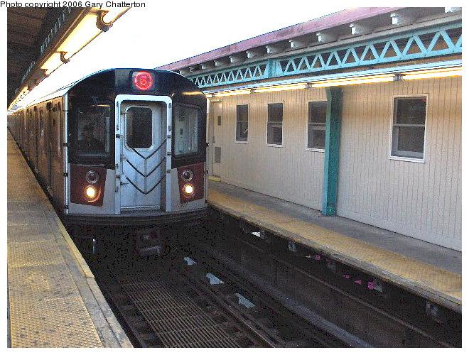 (106k, 660x500)<br><b>Country:</b> United States<br><b>City:</b> New York<br><b>System:</b> New York City Transit<br><b>Line:</b> IRT Pelham Line<br><b>Location:</b> Pelham Bay Park <br><b>Route:</b> 6<br><b>Car:</b> R-142A (Primary Order, Kawasaki, 1999-2002)  7371 <br><b>Photo by:</b> Gary Chatterton<br><b>Date:</b> 4/1/2006<br><b>Viewed (this week/total):</b> 2 / 4916