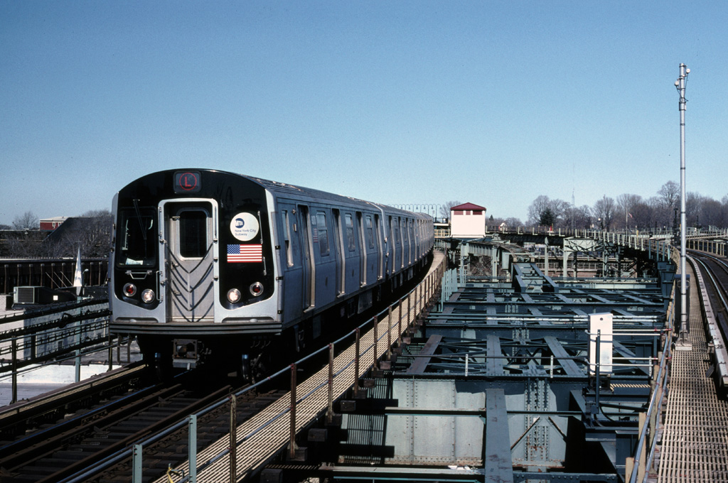 (278k, 1024x680)<br><b>Country:</b> United States<br><b>City:</b> New York<br><b>System:</b> New York City Transit<br><b>Line:</b> BMT Canarsie Line<br><b>Location:</b> Atlantic Avenue <br><b>Route:</b> L<br><b>Car:</b> R-143 (Kawasaki, 2001-2002) 8273 <br><b>Photo by:</b> Chris Leverett<br><b>Date:</b> 2/19/2006<br><b>Viewed (this week/total):</b> 0 / 3071