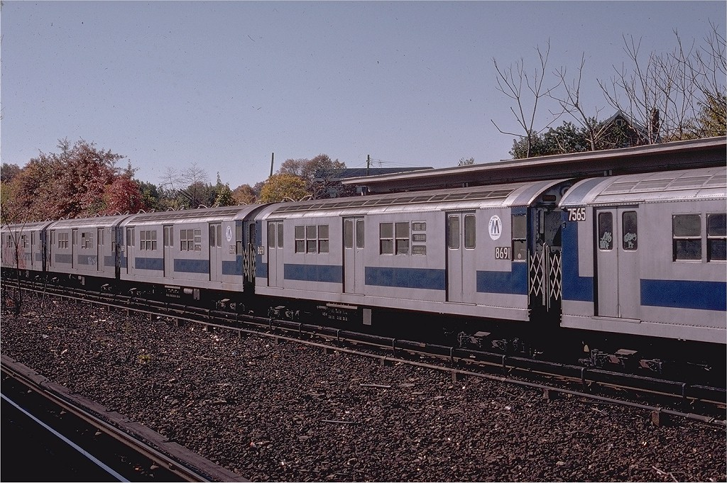 (267k, 1024x681)<br><b>Country:</b> United States<br><b>City:</b> New York<br><b>System:</b> New York City Transit<br><b>Line:</b> IRT Dyre Ave. Line<br><b>Location:</b> Baychester Avenue <br><b>Route:</b> 5<br><b>Car:</b> R-29 (St. Louis, 1962) 8691 <br><b>Photo by:</b> Joe Testagrose<br><b>Date:</b> 10/27/1974<br><b>Viewed (this week/total):</b> 0 / 2614