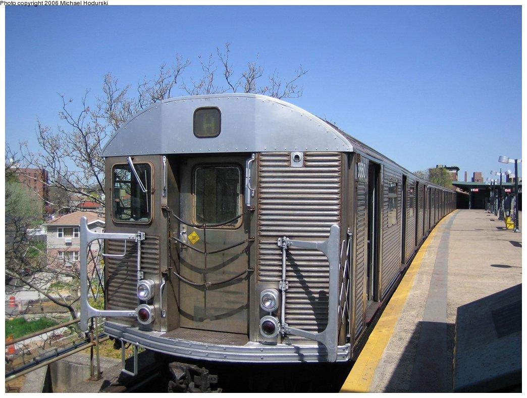 (178k, 1044x788)<br><b>Country:</b> United States<br><b>City:</b> New York<br><b>System:</b> New York City Transit<br><b>Line:</b> IND Rockaway<br><b>Location:</b> Mott Avenue/Far Rockaway <br><b>Route:</b> A<br><b>Car:</b> R-32 (Budd, 1964)  3550 <br><b>Photo by:</b> Michael Hodurski<br><b>Date:</b> 4/20/2006<br><b>Viewed (this week/total):</b> 3 / 3757