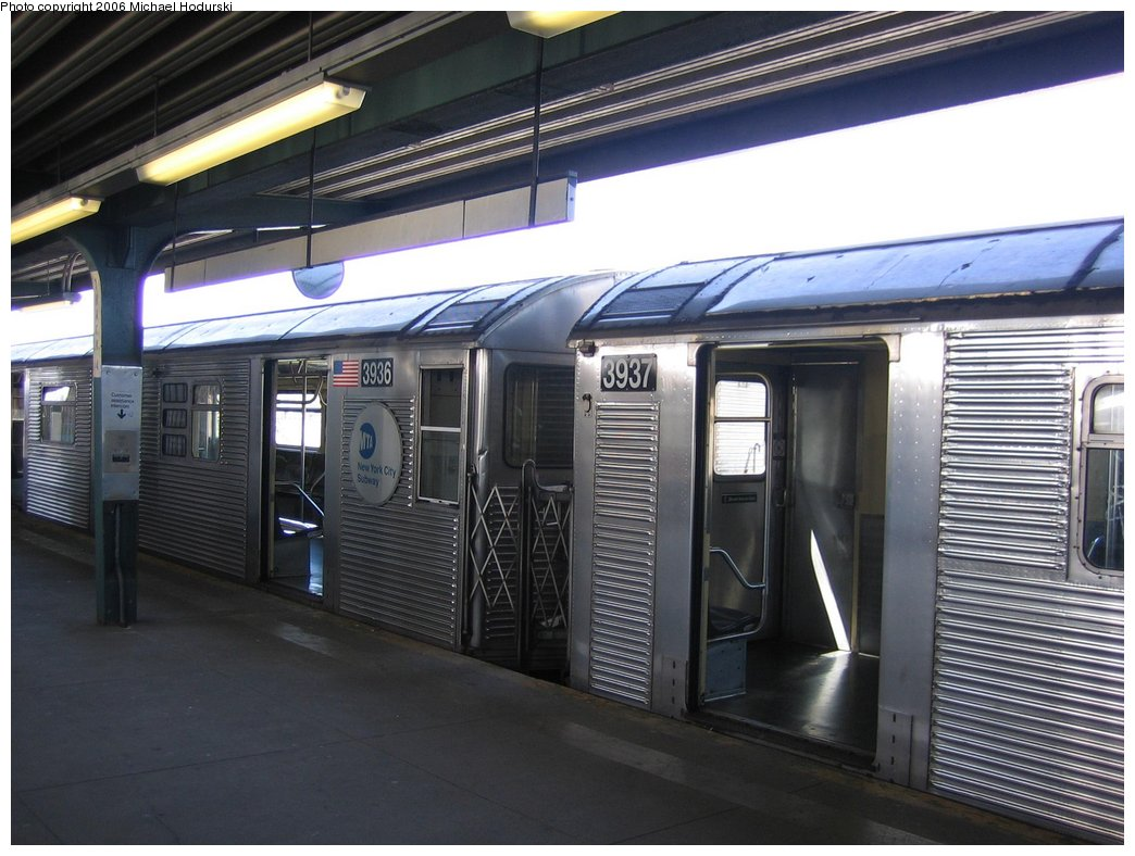 (163k, 1044x788)<br><b>Country:</b> United States<br><b>City:</b> New York<br><b>System:</b> New York City Transit<br><b>Line:</b> IND Rockaway<br><b>Location:</b> Mott Avenue/Far Rockaway <br><b>Route:</b> A<br><b>Car:</b> R-32 (GE Rebuild) 3936 <br><b>Photo by:</b> Michael Hodurski<br><b>Date:</b> 4/20/2006<br><b>Viewed (this week/total):</b> 1 / 2874
