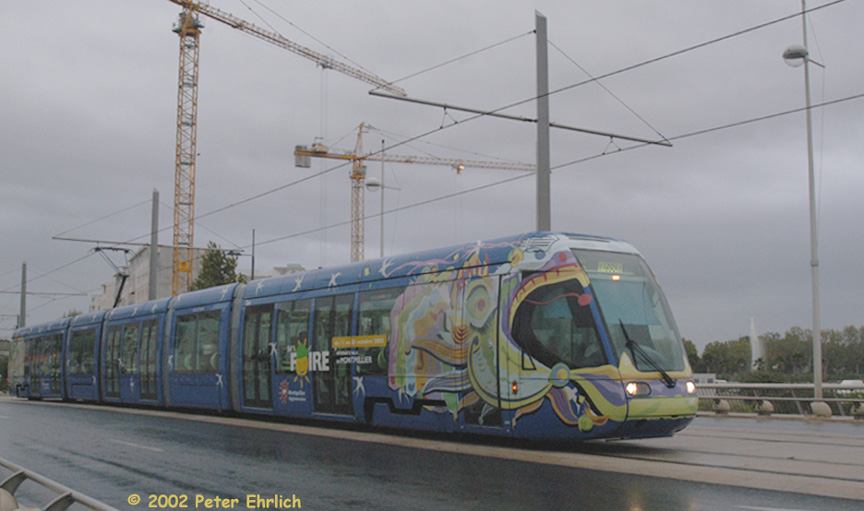 (138k, 864x511)<br><b>Country:</b> France<br><b>City:</b> Montpellier<br><b>System:</b> Transports de l'Agglomération de Montpellier (TAM)<br><b>Location:</b> Lez Bridge (1) <br><b>Car:</b> Citadis Type 401 (Alstom, 2002-2003)  2001 <br><b>Photo by:</b> Peter Ehrlich<br><b>Date:</b> 10/21/2002<br><b>Notes:</b> Pont Zuccarelli outbound.<br><b>Viewed (this week/total):</b> 1 / 1266