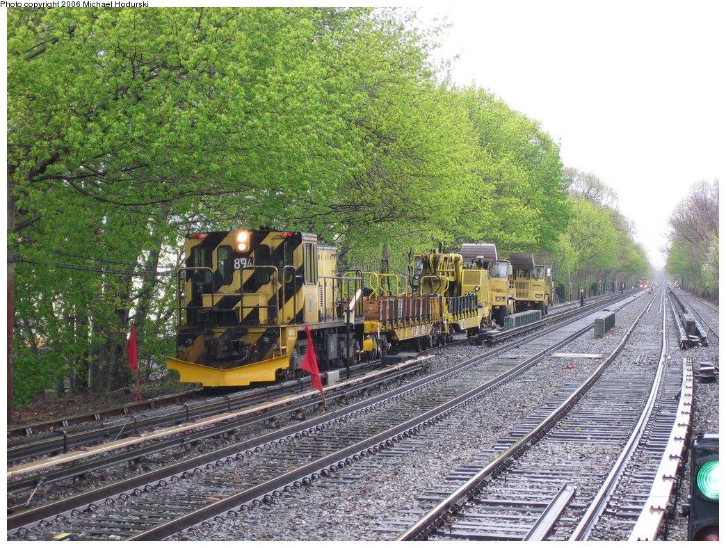 (283k, 1044x788)<br><b>Country:</b> United States<br><b>City:</b> New York<br><b>System:</b> New York City Transit<br><b>Line:</b> BMT Brighton Line<br><b>Location:</b> Kings Highway <br><b>Route:</b> Work Service<br><b>Car:</b> R-77 Locomotive  894 <br><b>Photo by:</b> Michael Hodurski<br><b>Date:</b> 4/22/2006<br><b>Viewed (this week/total):</b> 1 / 2703
