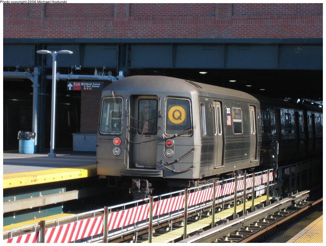 (183k, 1044x788)<br><b>Country:</b> United States<br><b>City:</b> New York<br><b>System:</b> New York City Transit<br><b>Location:</b> Coney Island/Stillwell Avenue<br><b>Route:</b> Q<br><b>Car:</b> R-68 (Westinghouse-Amrail, 1986-1988)  2832 <br><b>Photo by:</b> Michael Hodurski<br><b>Date:</b> 4/28/2006<br><b>Viewed (this week/total):</b> 0 / 2526