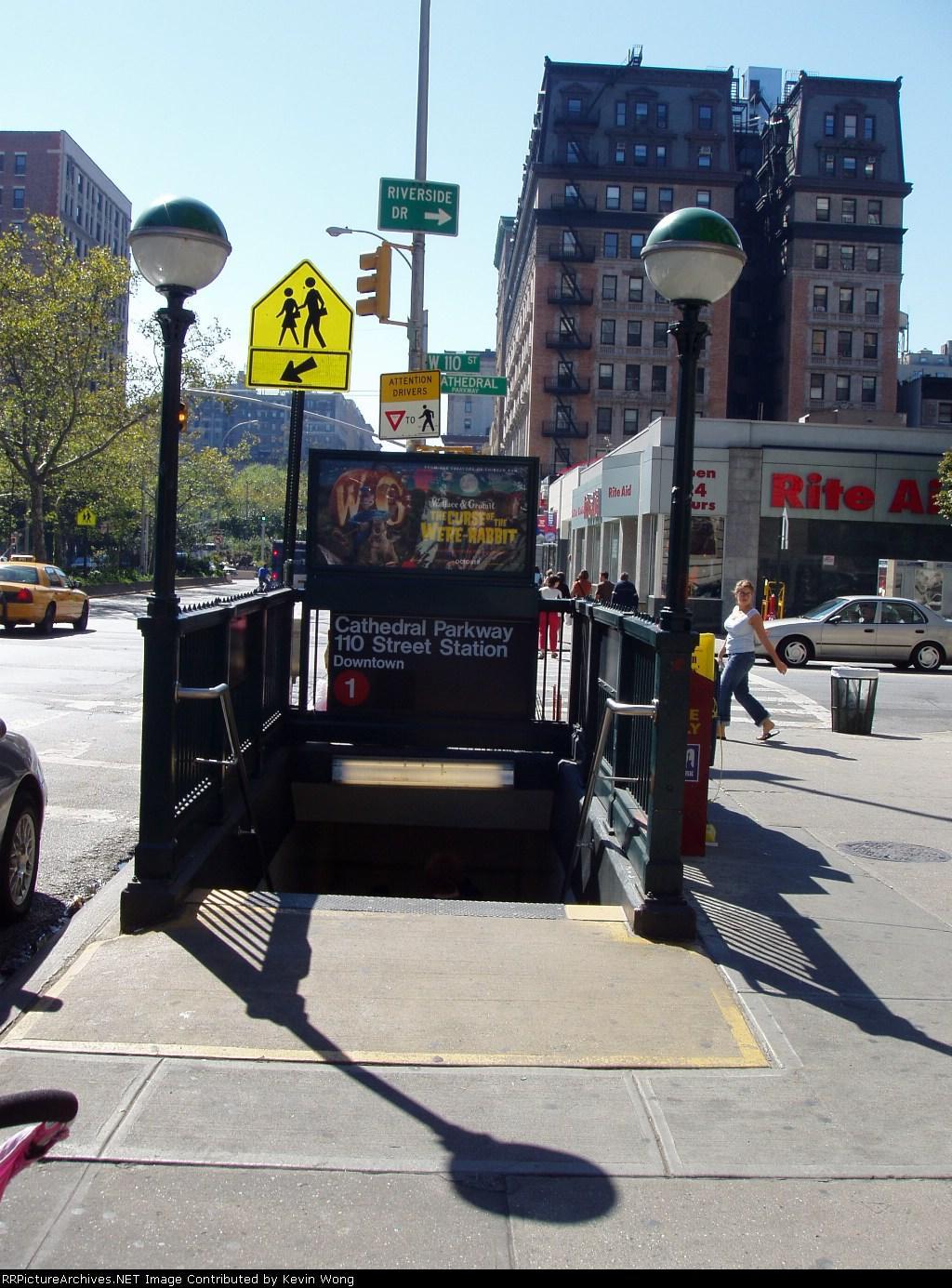 (216k, 1024x1385)<br><b>Country:</b> United States<br><b>City:</b> New York<br><b>System:</b> New York City Transit<br><b>Line:</b> IRT West Side Line<br><b>Location:</b> 110th Street <br><b>Photo by:</b> Kevin Wong<br><b>Date:</b> 10/2/2005<br><b>Notes:</b> Station entrance.<br><b>Viewed (this week/total):</b> 0 / 5818