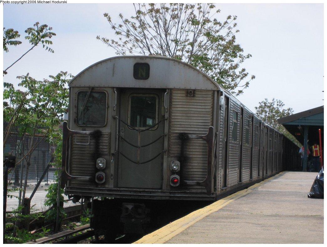 (174k, 1044x788)<br><b>Country:</b> United States<br><b>City:</b> New York<br><b>System:</b> New York City Transit<br><b>Line:</b> BMT Brighton Line<br><b>Location:</b> Kings Highway <br><b>Route:</b> N<br><b>Car:</b> R-32 (Budd, 1964)  3565 <br><b>Photo by:</b> Michael Hodurski<br><b>Date:</b> 5/6/2006<br><b>Viewed (this week/total):</b> 0 / 3087