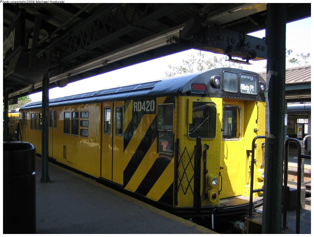 (156k, 1044x788)<br><b>Country:</b> United States<br><b>City:</b> New York<br><b>System:</b> New York City Transit<br><b>Line:</b> BMT Brighton Line<br><b>Location:</b> Kings Highway <br><b>Route:</b> Work Service<br><b>Car:</b> R-161 Rider Car (ex-R-33)  RD420 (ex-9033)<br><b>Photo by:</b> Michael Hodurski<br><b>Date:</b> 5/6/2006<br><b>Viewed (this week/total):</b> 1 / 2649