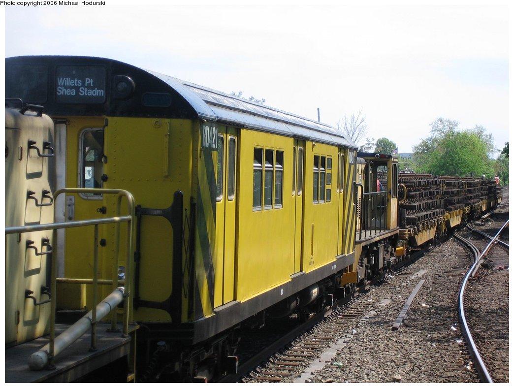 (170k, 1044x788)<br><b>Country:</b> United States<br><b>City:</b> New York<br><b>System:</b> New York City Transit<br><b>Line:</b> BMT Brighton Line<br><b>Location:</b> Kings Highway <br><b>Route:</b> Work Service<br><b>Car:</b> R-161 Rider Car (ex-R-33)  RD421 (ex-9032)<br><b>Photo by:</b> Michael Hodurski<br><b>Date:</b> 5/6/2006<br><b>Viewed (this week/total):</b> 2 / 3203