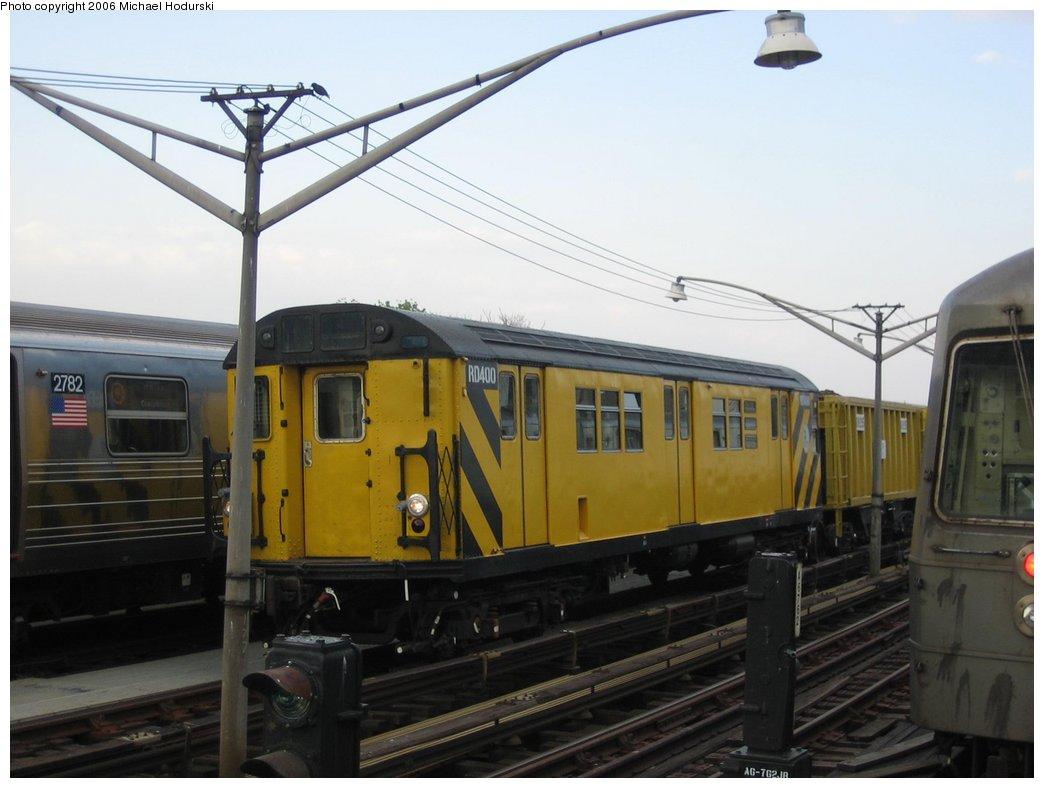 (126k, 1044x788)<br><b>Country:</b> United States<br><b>City:</b> New York<br><b>System:</b> New York City Transit<br><b>Line:</b> BMT Brighton Line<br><b>Location:</b> Ocean Parkway <br><b>Route:</b> Work Service<br><b>Car:</b> R-161 Rider Car (ex-R-33)  RD400 (ex-8987)<br><b>Photo by:</b> Michael Hodurski<br><b>Date:</b> 5/6/2006<br><b>Viewed (this week/total):</b> 0 / 2463