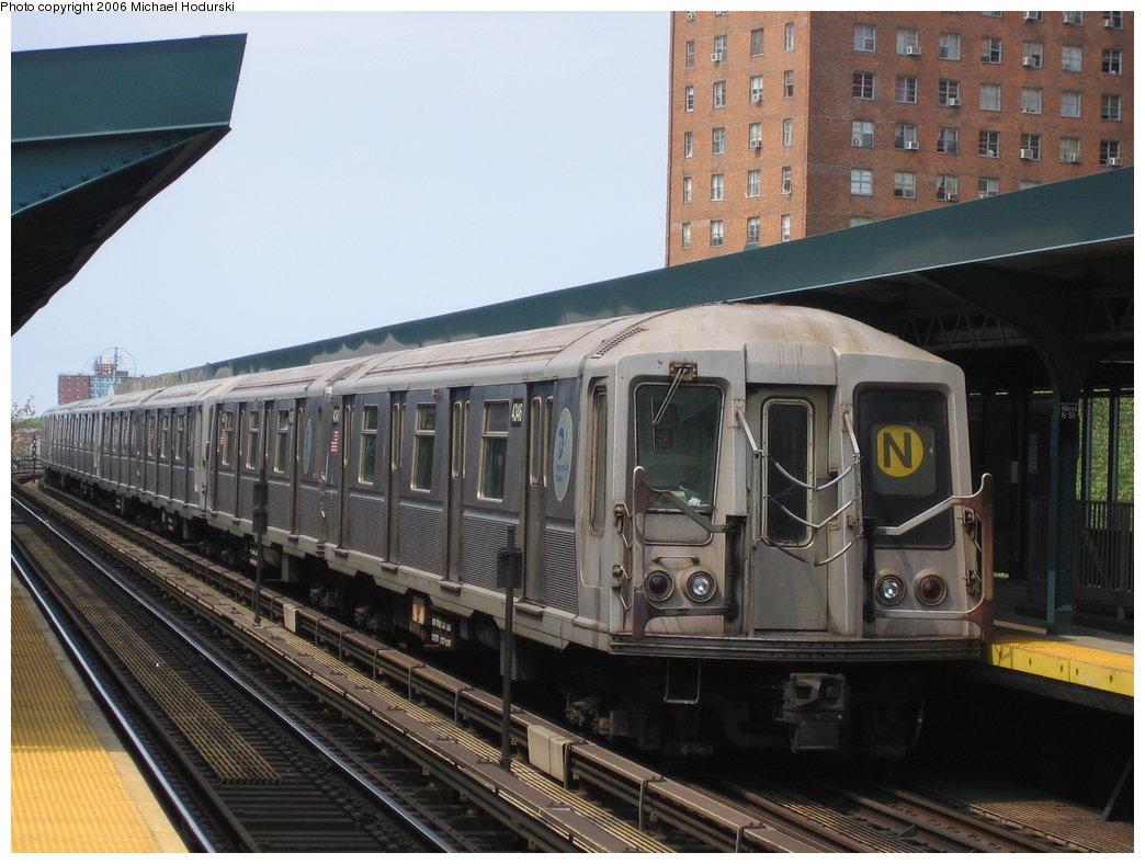 (173k, 1044x788)<br><b>Country:</b> United States<br><b>City:</b> New York<br><b>System:</b> New York City Transit<br><b>Line:</b> BMT Brighton Line<br><b>Location:</b> West 8th Street <br><b>Route:</b> N<br><b>Car:</b> R-40 (St. Louis, 1968)  4346 <br><b>Photo by:</b> Michael Hodurski<br><b>Date:</b> 5/6/2006<br><b>Viewed (this week/total):</b> 0 / 2729